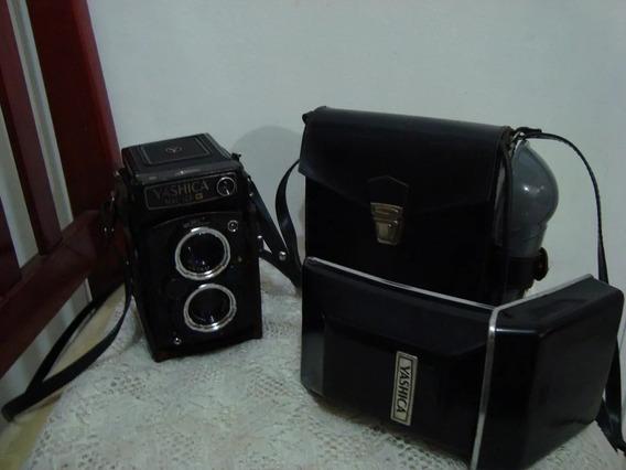 Maquina Fotográfica Yashica Antiga Impecável +flash Mat 124g