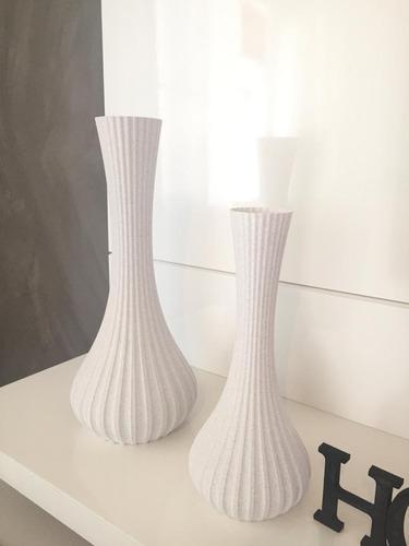 Kit 02 Vasos Decorativos ( 30cm E 40cm )