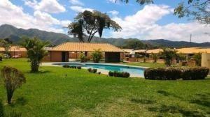 Casa En Venta Valle De Oro San Diego Carabobo 20-11325 Rahv