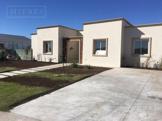 Casa En Venta Con Renta, Sobre Lote Interno -san Rafael, Villanueva.