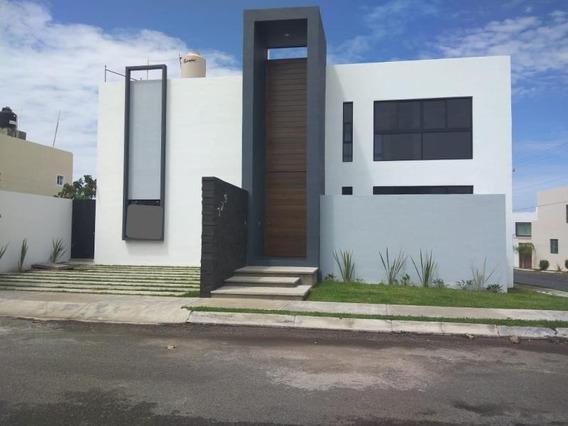 Casa Sola En Venta Norte De Villa De Álvarez; Con Acceso Rápido A Comala