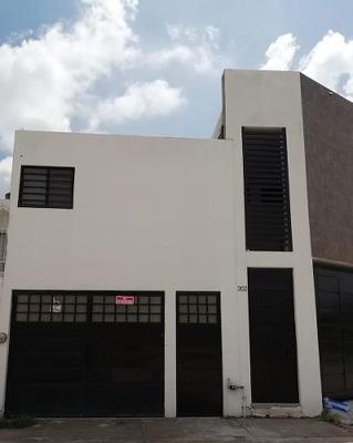 Casa En Colinas Del Carmen