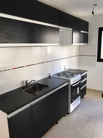 Duplex 2 Dorm. Estudio, Cocina Equipada,cochera X2 , Fondo .