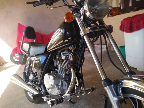 Imagem 1 de 6 de Suzuki Custom