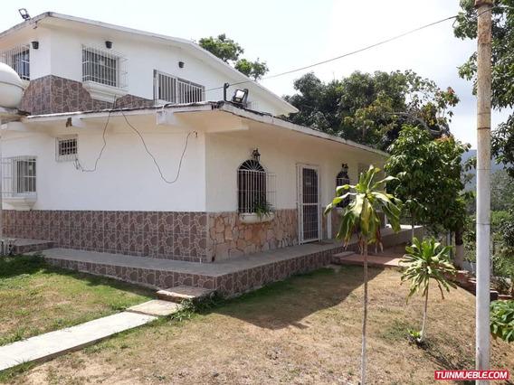 Vendo Bella Casa En Sector Los Altos De Sta Fe. Via Sucre