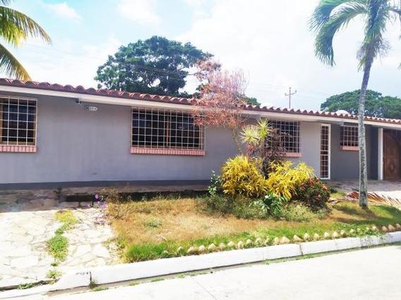 Casa En Alquiler Zona Este Barquisimeto Lara 20-18714
