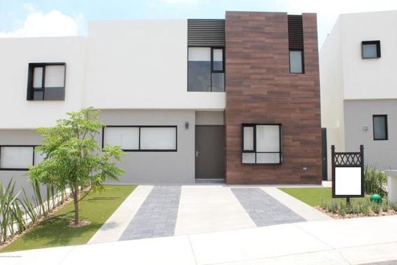 Casa En Venta En Zibatá # 19-624