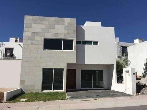 Se Vende Hermosa Casas En El Refugio Con Acabados Premium.
