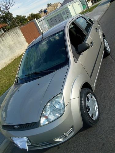 Imagem 1 de 10 de Ford Fiesta Sedan 2006 1.6 Flex 4p