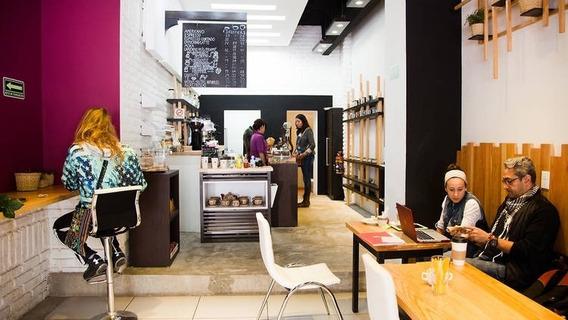 Cafeteria Aclientada En Centro De San Angel