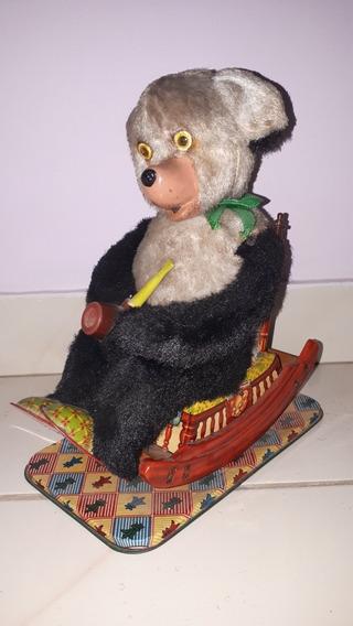 Brinquedo Antigo De Lata Urso Cadeira De Balanço Trade Mark