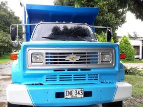 Volqueta Chevrolet C-70 Pública