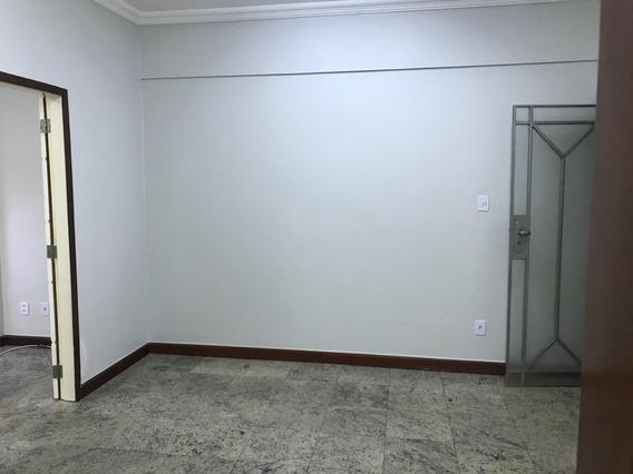 Sala De Escritório Com 3 Amplos Espaços