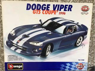Carro Colección Dodge Viper Metal Escala 1/24 Bburago 35v