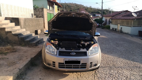 Ford Fiesta Sedan 2010