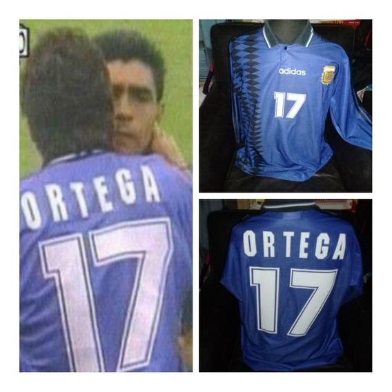 Camiseta Argentina - Ortega Mundial 1994. Mangas Largas.