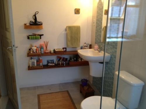 Imagem 1 de 14 de Casa Térrea A Venda , 3 Dormitórios , 4 Banheiros , 3 Garagens , 214,00m - Reformada - Quintal E Jardim. - V454 - 2809518