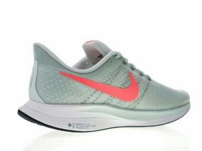 Tênis Nike Turbo