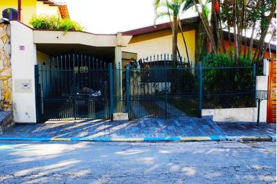 Ótima Casa Térrea Espaçosa Com Salão De Festas Ideal Para Sua Família Venha Conferir !!! - 204-im70247