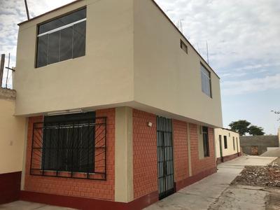 Casa De Dos Pisos Con Cochera Y Dos Cuartos