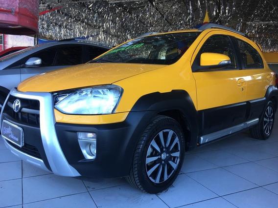 Oferta - Toyota / Etios Hb Cross 1.5 Flex 2015