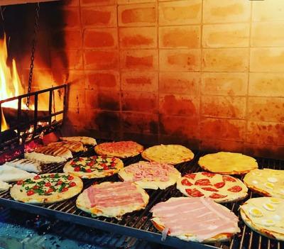 Servicio De Pizzas,calzone Y Chivito A La Parrilla Che Pizza
