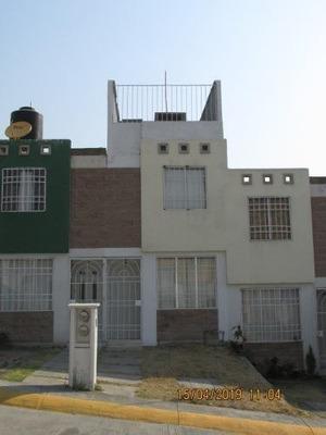 Casa En Fraccionamiento Bulevares Del Lago Edo. De México.
