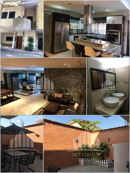 Moderno Y Lujoso Townhouse En Las Chimeneas. Oportunidad!