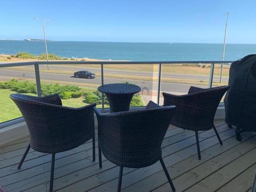 Frente Al Mar, 3 Dormitorios 3 Baños, Hermosa Vista Hacia Punta Del Este- Ref: 262