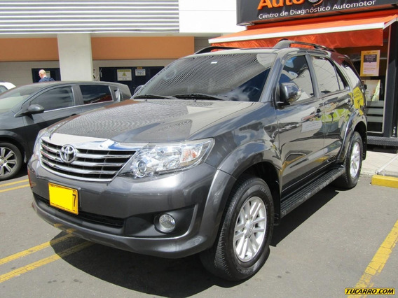 Toyota Fortuner Sr5 2.7 At 4×2