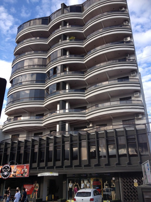 Excelente Apartamento Em Indaial, Bairro Nações, Bem Centralizado, Com 122,84 M² De Área Privativa, Apto Com 3 Dormitórios ( Sendo 1 Suite ), Ampla Sacada Com Churrasqueira, 1 Vaga De Garagem, Ficam