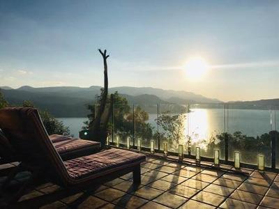 Casa Con Espectacular Vista Al Lago (el Mirador)