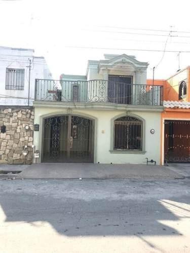 Casa En Venta En Fracc Las Palmas En Apodaca