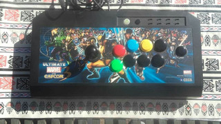 Arcade Stick Edición Limitada Marvel Vs Capcom 3 Marca Hori