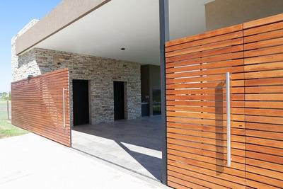 Casa 4 Ambientes En Comarcas De Luján