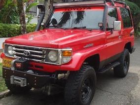 Camioneta De Colección Toyota Land Cruiser 100 Mod 1989.