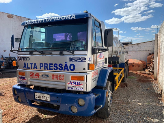 Caminhão Limpa Fossa De 13 000 Litros