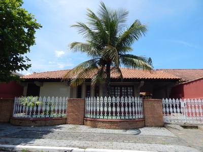 Casa A Venda No Bairro Parque Turístico Em Peruíbe.