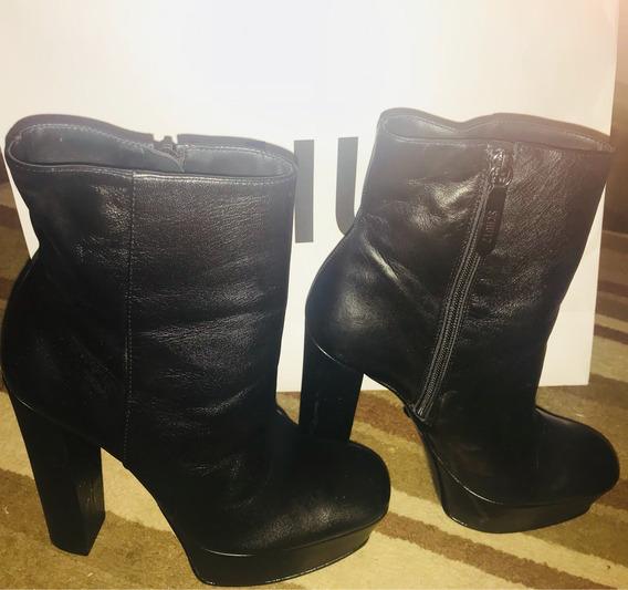 Bota Ankle Boot Schütz Novinha
