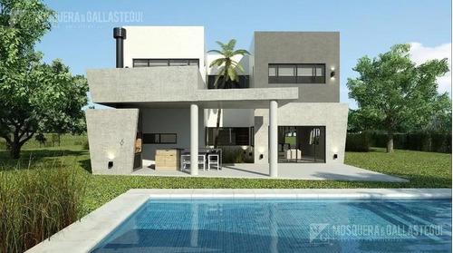 Casa Increible De 6 Ambientes - Los Robles