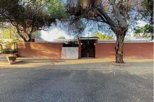 Casa En Venta A $13,543,754 Mxn, En Mexicali, Baja California | Excelente Ubicación En Fraccionamiento Jardines Del Valle 1,350 Mts2