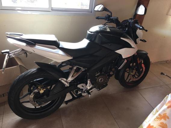 Moto Bajaj Rouser Ns 200
