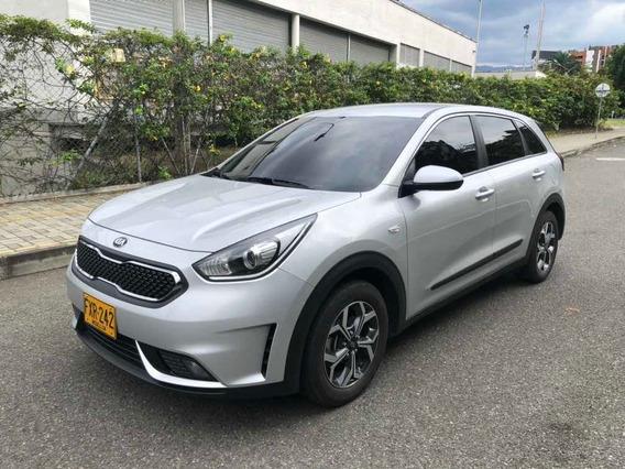 Kia Niro Desire - Hibrido, Modelo: 2019 - 24800km