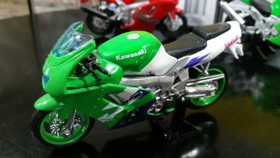 Moto Kawasaki Colección Maisto Escala 1/18