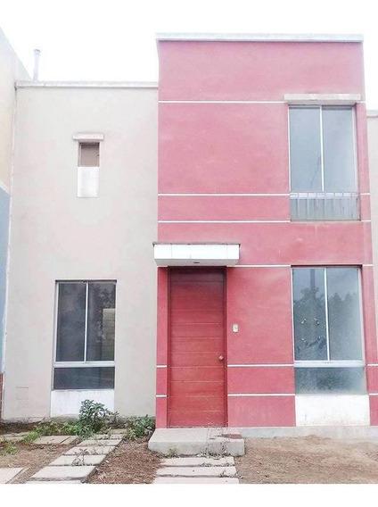 Vendo Casa En Condominio Villa Club2 Frente A Parque