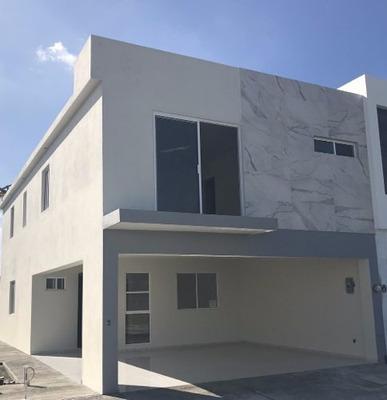 Casa En Venta Rinconada Colonial Apodaca Nl Frente A Parque
