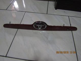 Moldura De Luz De Placa Toyota Corolla 2003-2008