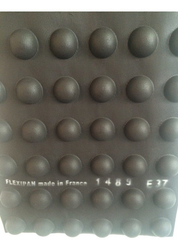 Imagen 1 de 2 de Molde Silicon Flexipan Media Esfera 4,5cm Diam 48 Cavidades