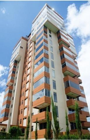 Apartamento En Edificio Zona 15, Por Sector San Lázaro