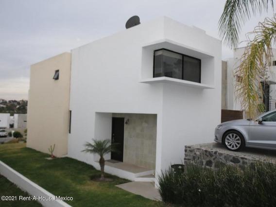 Casa En Renta En Cumbres Del Lago, Queretaro, Rah-mx-21-2011